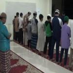 Kegiatan Shalat Berjama'ah di Mushala Gedung Putra